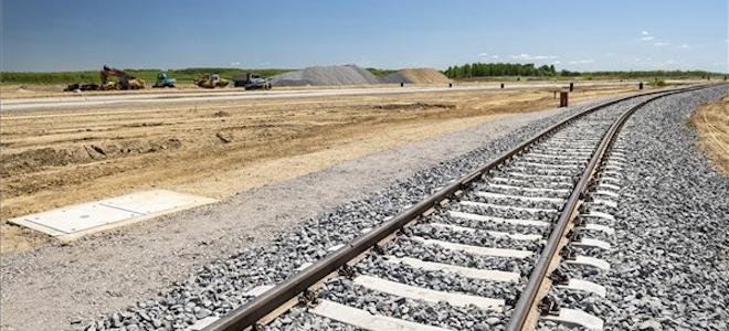 Átadták a fényeslitkei intermodális logisztikai terminál vasúti kapcsolatát